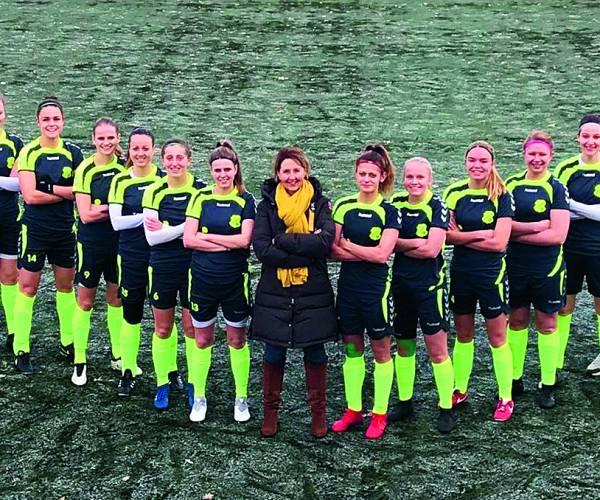 FC Berghuizen Vrouwen 1 vol op stoom