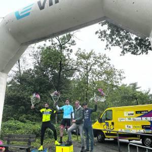 Jelle Johannink en Wietse Kamp winnen VIRO Criterium Cup Twente<br />Ronde van Oldenzaal prooi voor Tjalle de Bruin