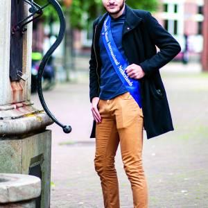 Oldenzaler Oğolcan Tezcan dingt mee naar titel Mister International Netherlands