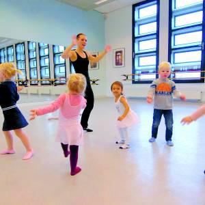 Nieuw in Oldenzaal: kleuterdans bij Kaliber Kunstenschool