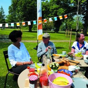 Manna: 'ontmoeting centraal in tegengaan van eenzaamheid'<br />Unieke picknick in Twente met maatschappelijk tintje