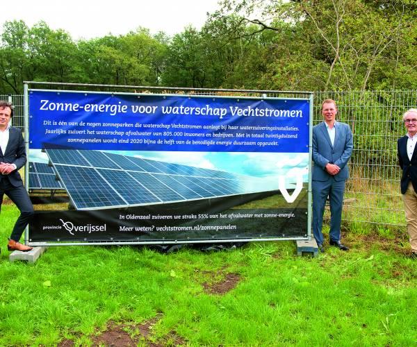 Zonnepark bij rioolwaterzuivering Oldenzaal officieel geopend