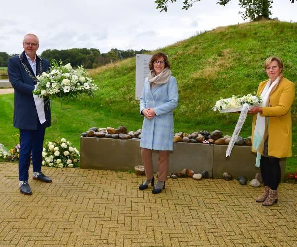 Aandacht voor elkaar: herdenkingsplek coronaslachtoffers bij vier Twentse crematoria
