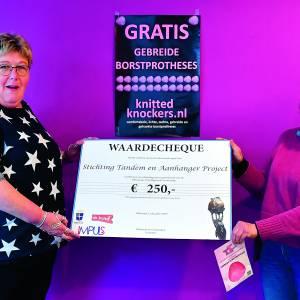 STAP geeft deel vrijwilligersprijs door aan 'Tricot Tieten'